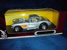 MINIATURE METAL COLLECTION de LUXE EDITION 1:18 CHEVROLET CORVETTE GASSER