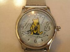 3pt8 DISNEY WINNIE THE POOH STAINLESS STEEL CASE AND MESH BAND WATCH