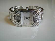WOMEN'S WESTERN LOOK  SILVER FINISH BANGLE CUFF FASHION WATCH