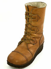 OSLO Rare Vintage Authentic Tan Leather Women's Boots Size 7 Usa.