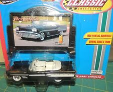 ONE 1958 PONTIAC BONNEVILLE CONVERTIBLE+ BILLBOARD 1:43 SCALE by Road Champs NWB