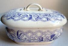 Boite de toilette à savon, Creil Montereau signée F.G. - L.M. & Cie: Frise lilas