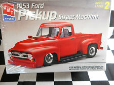AMT 1/25 1953 FORD  PICK-UP STREET MACHINE PLASTIC MODEL KIT