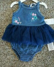 NWT BABY GIRLS GUESS 2 PIECE EMBROIDERED DENIM SET SIZE 3-6 MONTHS $36