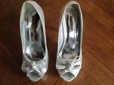 LADIES SHOES BY JUMEX. SIZE 39