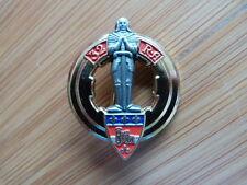 INSIGNE MILITAIRE Pucelle Armée Arthus Bertrand 32° RA rég artillerie