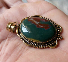 BEAUTIFUL BLOOD STONE PENDANT WITH METAL FITTING