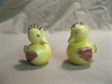 Vintage Yellow Sitting Resting Chicken Rooster Salt and Pepper Shakers Ceramic 4