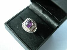 LOT 335 STUNNING SQUARE AMETHYST + WHITE TOPAZ STERLING SILVER RING SIZE - J 1/2