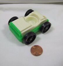 Vintage Fisher Price Little People WHITE CAR w/ GREEN Base for GARAGE TOWN Cute