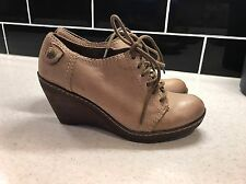 Clarks Leather Soft wear Wedge Shoes Size 4