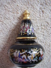 Greece porcelain vase with cover