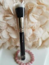 MAC 187 Duo Fiber Face Brush
