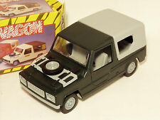 1/20 Scale Plastic Friction Safari Wagon  Renault 6 Rodeo   Made in GDR