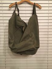 US Military Issue Army Improved Deployment Duffle Bag Olive green