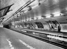 METRO LIGNE N°9 Affiches Publicitaires PARIS Station Richelieu-Drouot Photo 30s