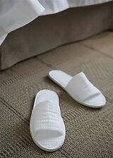 BULK 80 X WAFFLE WEAVE WHITE GUEST/ HOTEL/ SPA SLIPPERS, 5 STAR HOTEL QUALITY