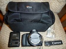 Canon Power Shot SX40 HS 12.1 MP Digital Camera exc cond. 35x Zoom + Accessories