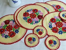 Set Vtg 'Hungarian' style hand embroidered linen doilies mats coasters Folk art