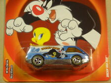 2013 HOT WHEELS LOONEY TUNES DREAM VAN XGW HW HOTWHEELS TWEETY/SLYVESTER BLUE