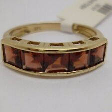 9ct Yellow Gold Half Eternity Garnet Ring Size N