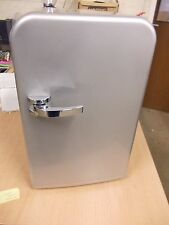 15 Litre Thermoelectric Mini Fridge Cooler/Warmer Silver - A++