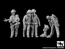 Black Dog 1/35 Firemen Big Set No.2 Firefighters Firefighting (4 Figures) F35166