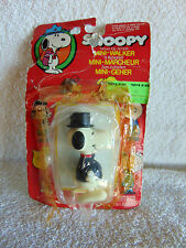 Vintage Snoopy Wind-Up Action Mini-Walker with Top Hat - 1971 - POOR Packaging