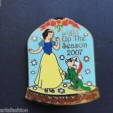 WDSB - Light Up The Season 2007 - Snow White and Dopey LE 300 Disney Pin 59187
