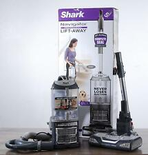 Shark Lift-Away Vacuum Navigator Professional Lightweight Extended Reach UV540
