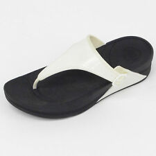 GENUINE WOMENS FITFLOP WALKSTAR RUBBER BLACK/WHITE SOLID TOE POST (B300)