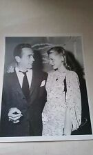 HUMPHREY BOGART & LAUREN BACALL GLOSSY BLACK & WHITE CANDID PHOTO 8 X 10