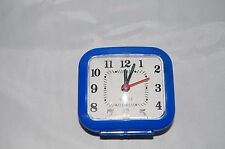 QUARTZ TRAVEL ALARM CLOCK ANALOGUE GLOW IN THE DARK HANDS **FREE DELIVERY** UK
