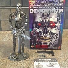 Hot toys MMS33 Exclusive Terminator T-800 Endoskeleton Battle Damaged US SELLER!