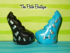 MONSTER HIGH FRANKIE SWEET 1600 WALMART VARIANT REPLACEMENT BLACK & BLUE SHOES