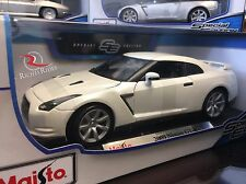 Maisto 1:18 Scale Special Edition Diecast Model - 2009 Nissan GTR (White)