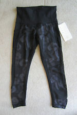 Lululemon Seek the Heat Crop Inky Floral Soot Black CVGB/BLK Sz 4