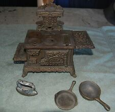 Miniature Royal Stove Complete Salesman's Sample or Child's Toy?