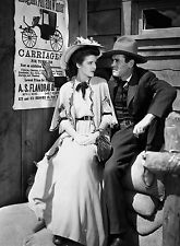 PHOTO LA POURSUITE INFERNALE -  CATHY DOWNS & HENRY FONDA  (P1) FORMAT 20X27 CM