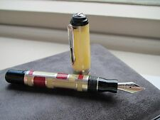 Marlen Forme Petite parchment-red-silver Medium 18ct gold nib fountain pen MIB