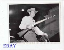 Chuck Connors Rifleman 1960 VINTAGE Photo candid on set