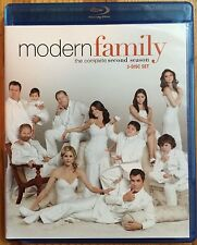 Modern Family: The Complete Second Season (Blu-ray Disc, 2011, 3-Disc Set)