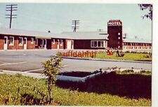 KINGSWAY MOTEL, FORT WILLIAM, ONTARIO, CANADA Owned by John and Betty Heilman