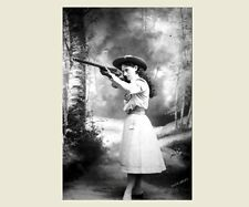 Youthful Annie Oakley PHOTO Cowboy Hat, Buffalo Bill Wild West Show Sharpshooter