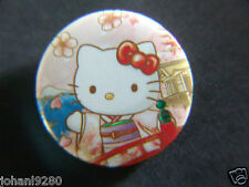 Hello Kitty  Badge / Pin / Button Ø 30 mm
