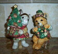 Retired FITZ & FLOYD CHRISTMAS LODGE BEAR+BUNNY RABBIT SALT & PEPPER SHAKER SET