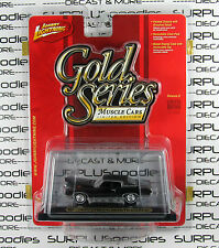 Johnny Lightning 1/64 Scale Gold Series Release 8 1970 CHEVROLET MONTE CARLO