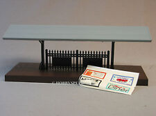 MTH LIGHTED PASSENGER STATION PLATFORM GRAY ROOF o gauge train figure 30-9006