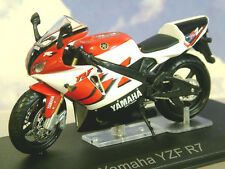 SUPERB DIECAST 1/24 1999-2002 YAMAHA YZF R7 OW02 MOTORBIKE IN RED/WHITE/BLACK