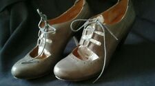 CLARKS Indigo Size 9 Gray Lace Front Pumps heels Shoes